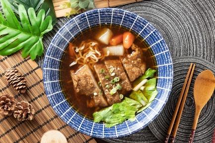 紅燒滷排麵 / 豚ロース煮込みラーメン